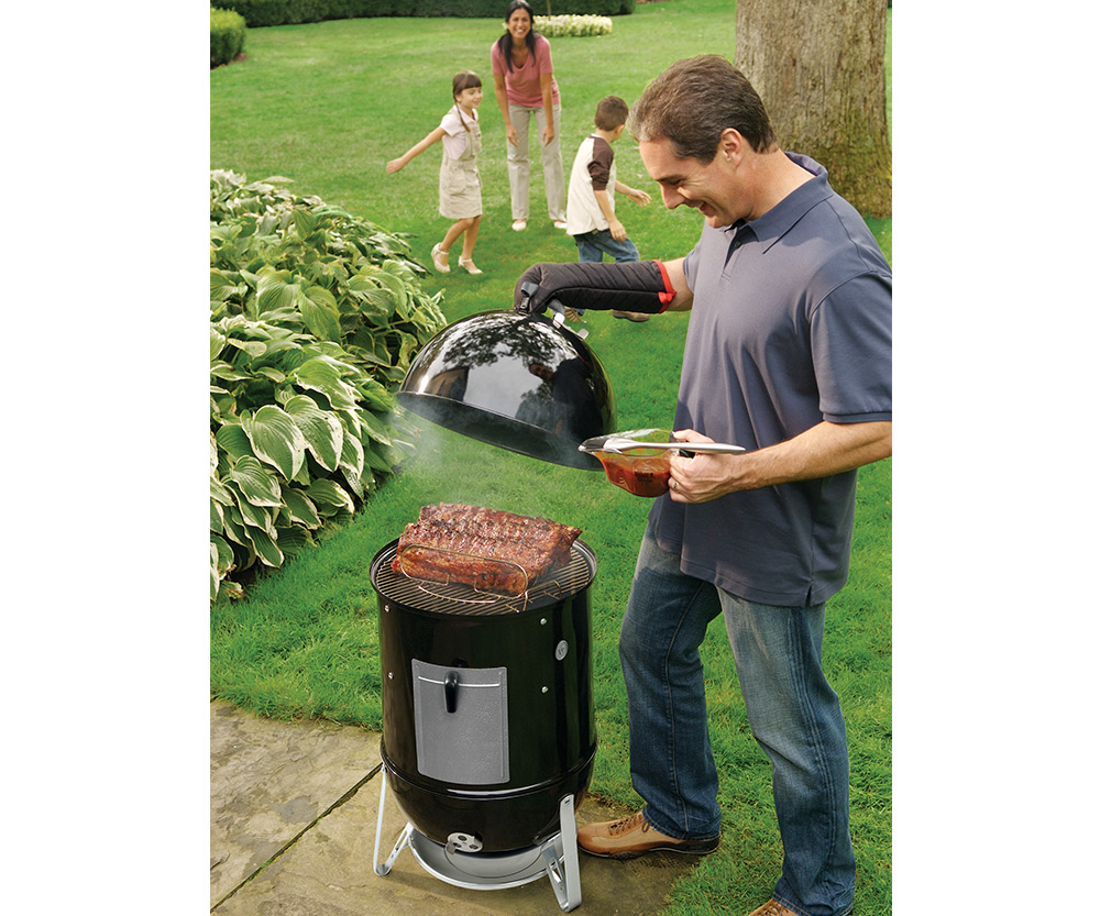 weber smokey mountain 18 charcoal grill aqua quip seattle bbq store. Black Bedroom Furniture Sets. Home Design Ideas